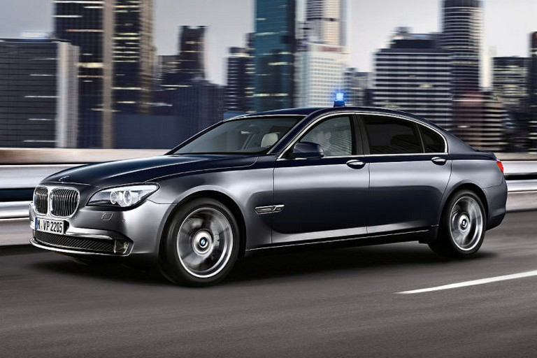 Name:  Polizei-Einsatz     BMW-7er-Polizei-729x486-8d73e3ed01ec50a0.jpg Views: 337 Size:  91.6 KB