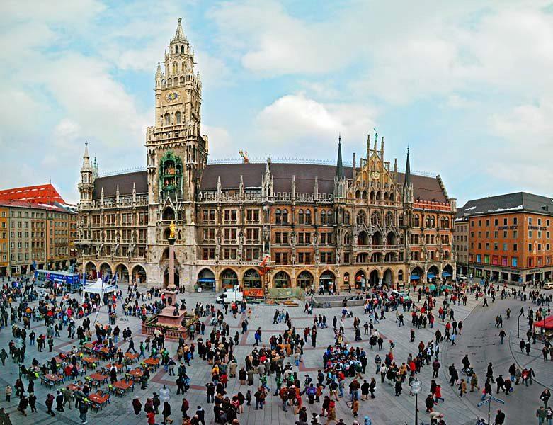 Name:  Marienplatz3279647691965_569965791_n.jpg Views: 2393 Size:  125.8 KB