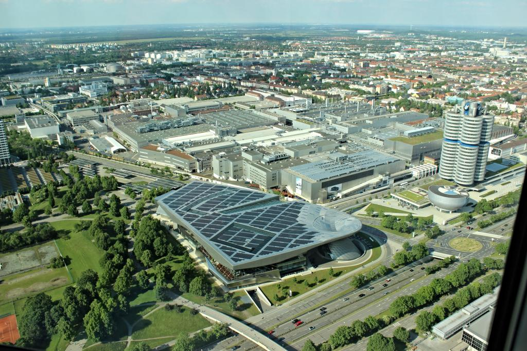 Name:  BMW Welt and Museum and WERK  IMG_8928.jpg Views: 3185 Size:  179.6 KB