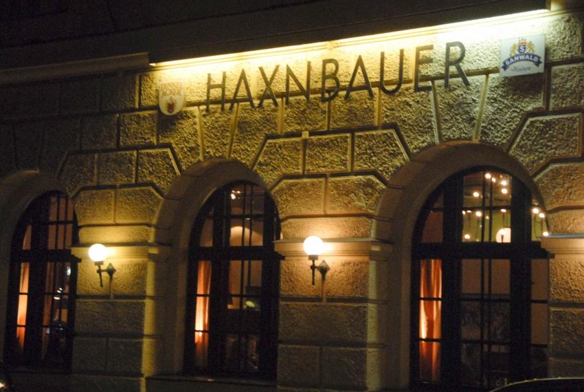 Name:  Haxnbauer im Scholastikahaus .jpg Views: 3177 Size:  412.3 KB