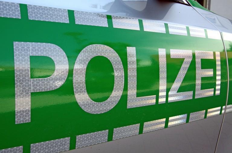 Name:  Polizei_jj.jpg Views: 402 Size:  93.2 KB