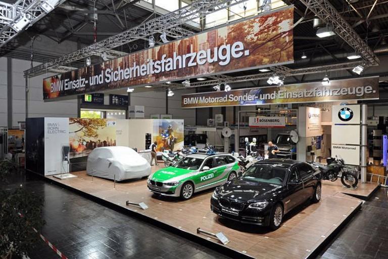 Name:  Polizei-Einsatz     BMW-7er-Polizei-729x486-26bdc82827c6b17e.jpg Views: 394 Size:  138.0 KB