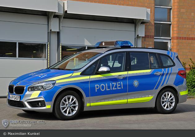 Name:  polizei  399140-large.jpg Views: 396 Size:  366.3 KB