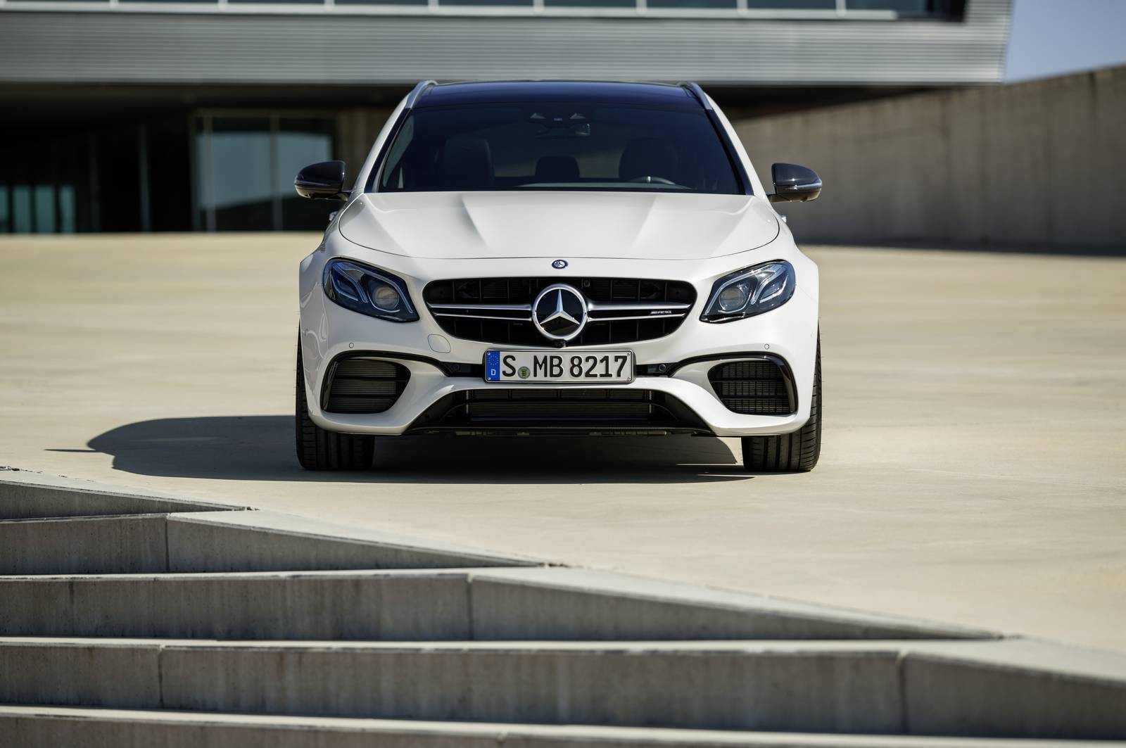 Name:  Mercedes-AMG-E63-S-Estate-15.jpg Views: 1077 Size:  112.2 KB