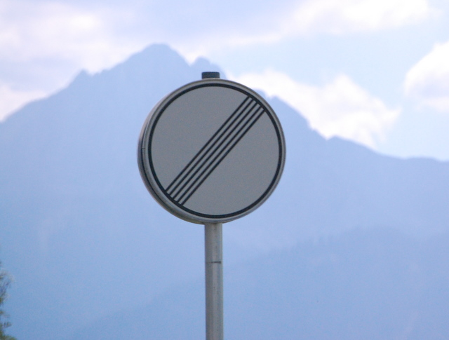 Name:  autobahn-end-of-restrictions-sign.jpg Views: 6429 Size:  83.5 KB