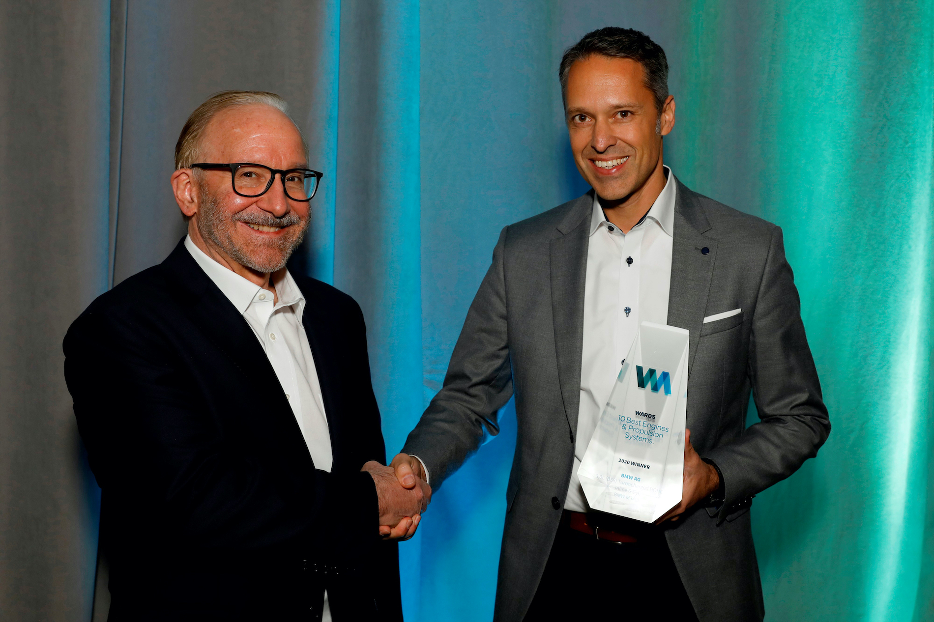 Name:  Ralph_Mahler_Accepting_2020_Wards_10_Best_Engines_and_Powertrain_Award.jpg Views: 11653 Size:  1.99 MB