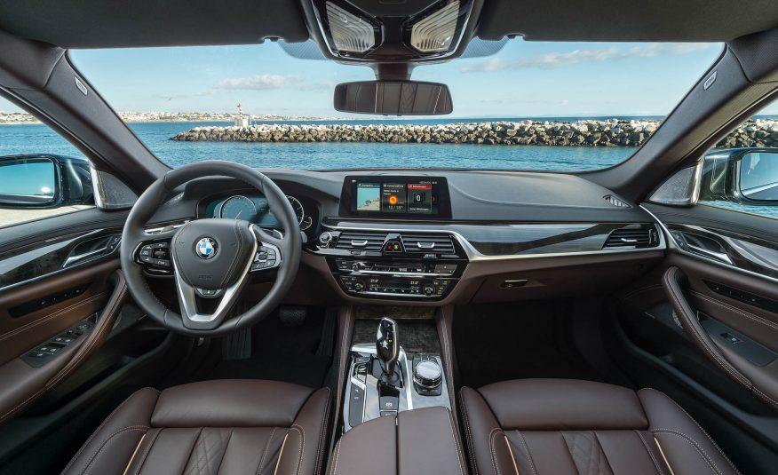 Name:  2017-BMW-5-Series-First-Drive-176-876x535.jpg Views: 17769 Size:  92.3 KB