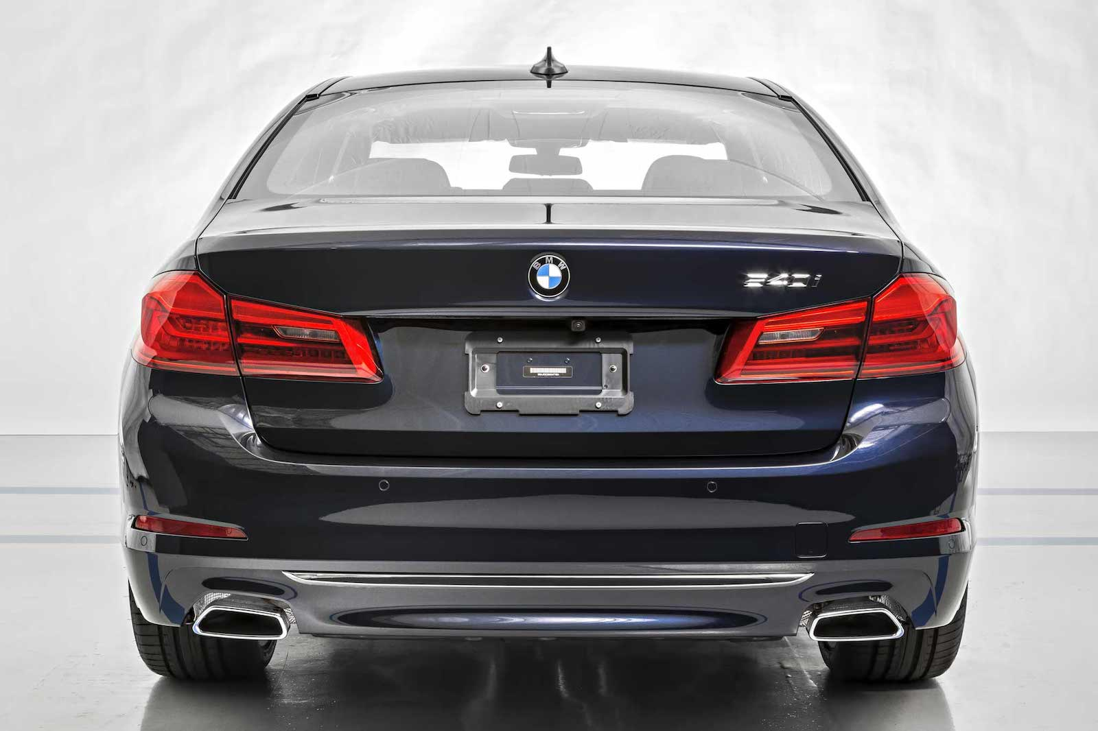 Name:  ImperialBlueMetallic-540i-4.jpg