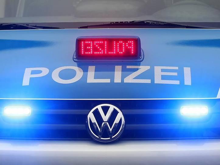 Name:  polizei blaulicht.jpg Views: 3599 Size:  37.3 KB