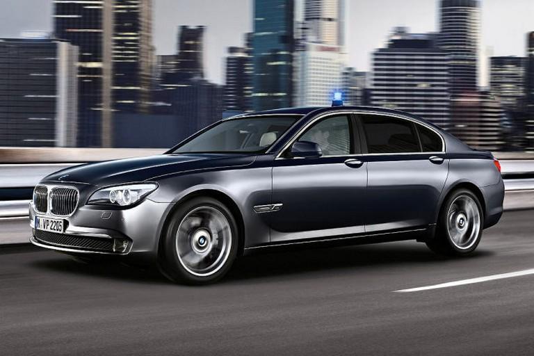 Name:  Polizei-Einsatz     BMW-7er-Polizei-729x486-8d73e3ed01ec50a0.jpg Views: 336 Size:  91.6 KB
