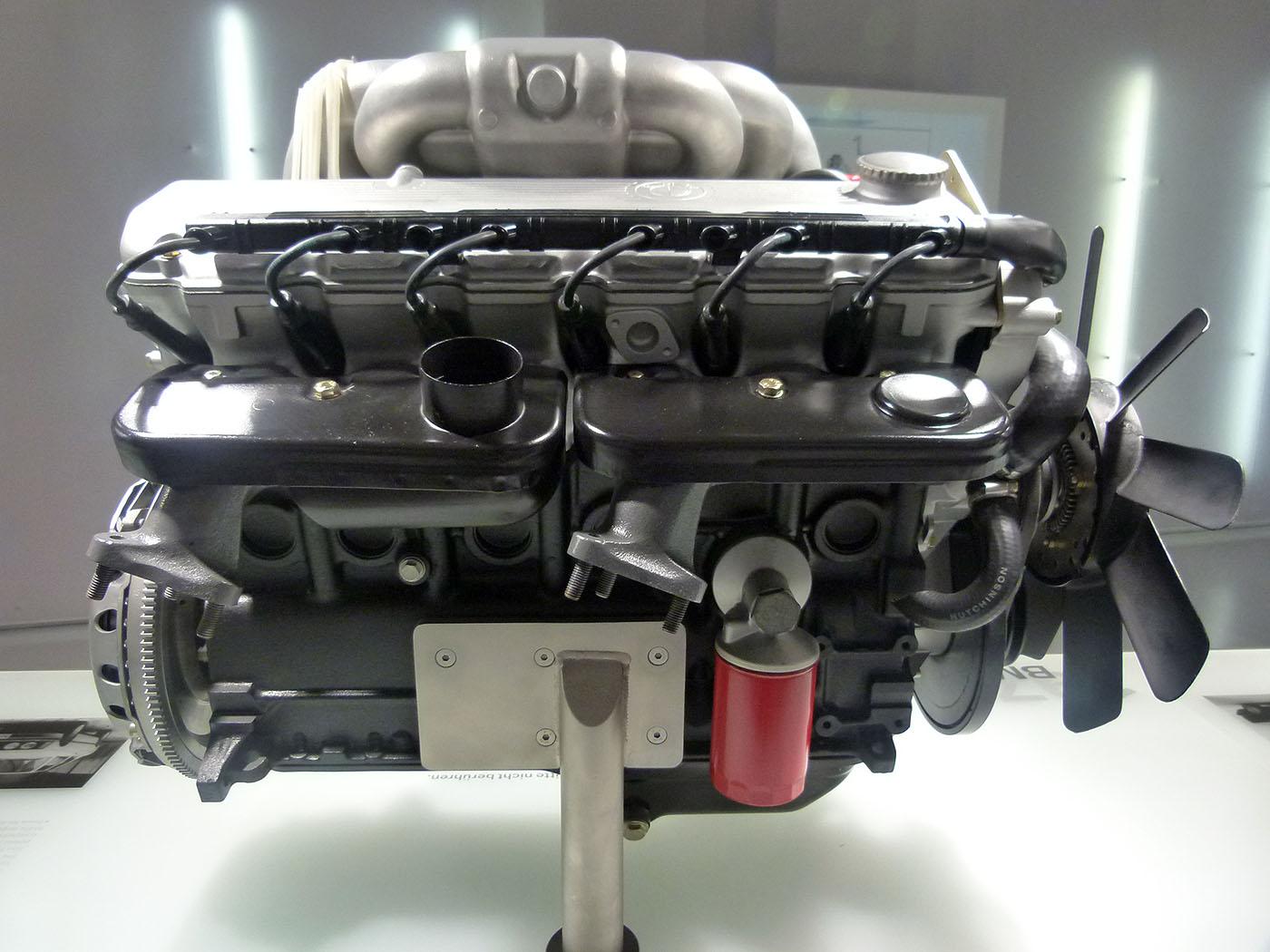 Name:  BMW_M20_Engine.JPG Views: 27350 Size:  199.6 KB